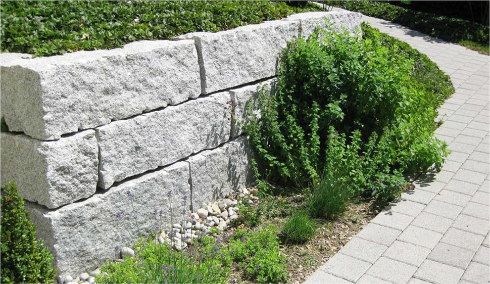 granit hellgrau n hmer beton kies splitt steinkorb. Black Bedroom Furniture Sets. Home Design Ideas